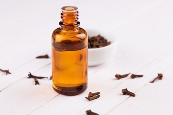 Remedies: Clove Oil–The Spice of Dignity